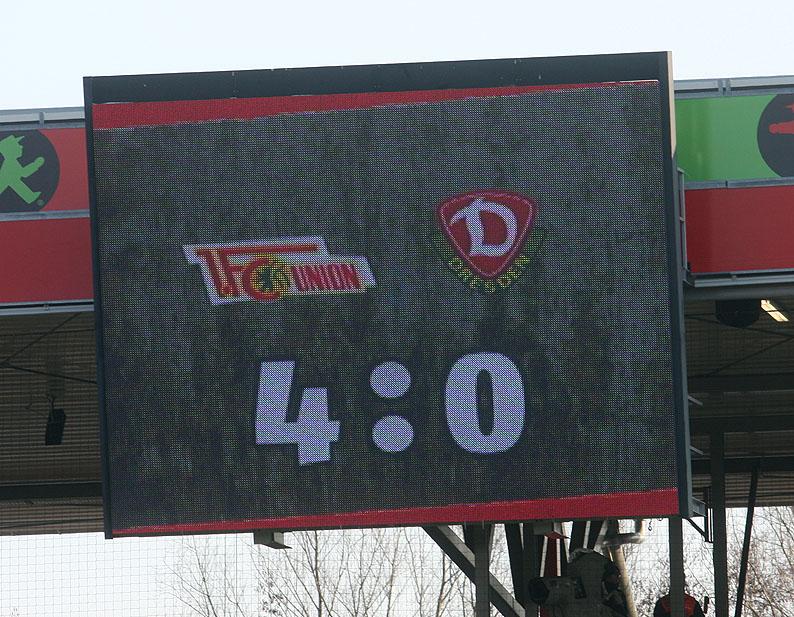 http://unveu.de/2011-2012/vsdresden2/12_02_11vsdresden83.jpg